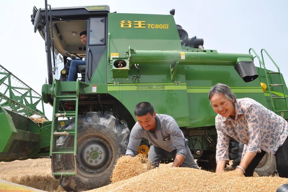 新型收割利器-助力农民丰收