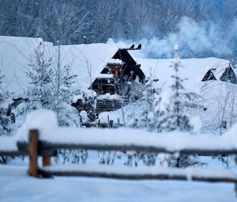 新疆北部雪后宛如童话世界