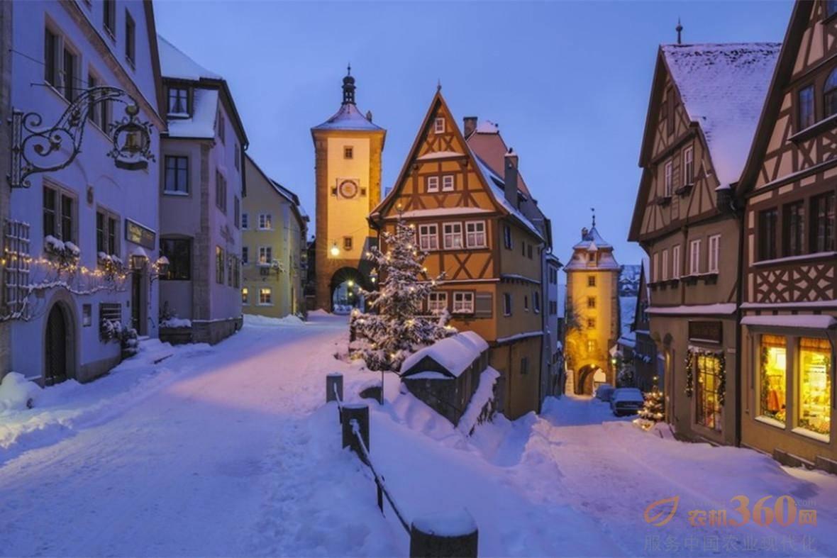 每当进入冬季,这里就会化身为童话故事般美丽的梦幻小镇.