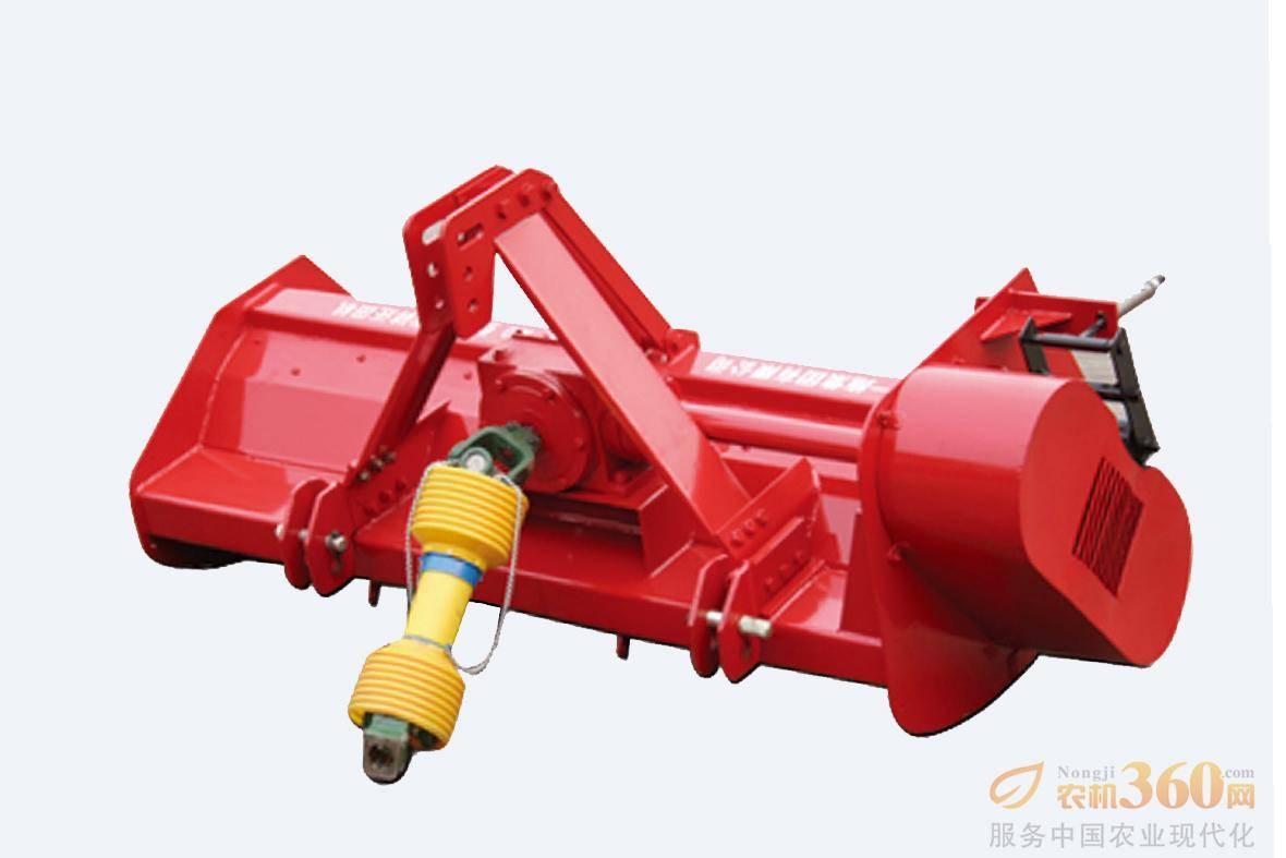 东方红1JH-180秸秆还田机,该机型采用双向调心滚子轴承,提高了产品的可靠性;工作部件采用弯刀结构,刀端线速度高,切割力大,切碎质量好;刀刃采用喷焊处理,耐磨性大大提高;可实现多级留茬高度调整;采用双排定刀结构,切碎效果好。