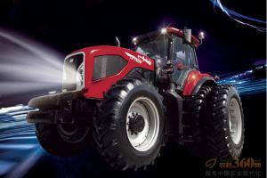 东方红LF1504型动力换挡拖拉机,该机型采用4区段4档位动力换挡变速箱,满足多种作业需求,提高生产效率20-25%;使用动力换向作业时,无需制动,进退自如。集档位变换、油门控制液压提升和输出、动力输出、前驱动等功能于一体的多功能操纵平台,作业操作更简便。采用电控离合器,降低踏板操纵力;同时拥有手动主离合器控制,操作简单,舒适性高。