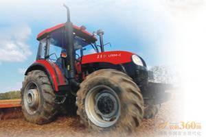 东方红LF954-C型动力换挡拖拉机,采用技术先进的12F+12R动力换向变速箱,农田作业过程中,轻拨换向开关,拖拉机进退自如。提高作业效率15%以上。田间快速掉头,180度换向无需频繁停车、起步,节省作业时间,有效降低燃油消耗15%。