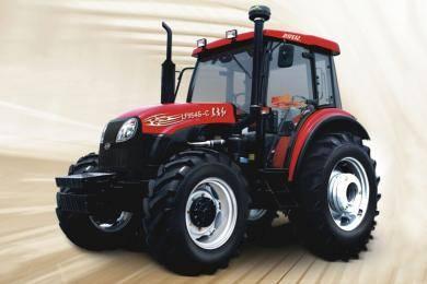 东方红LF954S-C型动力换挡拖拉机,水田型结构设计,转弯半径小。采用技术先进的12F+12R动力换向变速箱,农田作业过程中,轻拨换向开关,拖拉机进退自如。提高作业效率15%以上。田间快速掉头,180度换向无需频繁停车、起步,节省作业时间,有效降低燃油消耗15%。