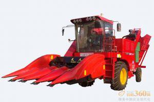 天人4YZ-4A(TR9988)自走式玉米收获机,该机可一次完成摘取果穗、果穗剥皮、茎秆粉碎还田、果穗收集装箱、液压倾翻卸粮装车。配备国内领先的玉米割台,小倾角技术不掉棒,能收获倒伏玉米,配置籽粒回收能最大限度减少田间损失,是玉米收获的理想选择。