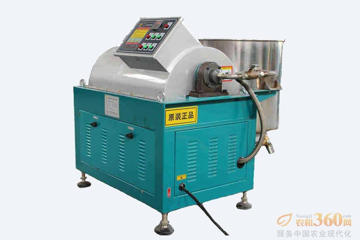 三力士LW550-150-L离心油渣分离机,该产品是三力士机械研发中心巧妙的利用离心力技术原理,研发生产的离心油渣分离机。 彻底改变了传统落后的食用油加工方式。产品适应各种油脂过滤处理,如菜籽油、大豆油、花生油等。该产品同时适用于其它食品加工和工业废水处理。该产品具有自动脱磷、自动排渣、不需滤网、滤布,生产能力大、可连续工作等特点。同时极大的减轻了劳动强度,提高了工作效益。