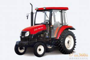 东方红MK700轮式拖拉机,驱动方式为两驱,70马力,动力输出轴转速540、720、1000r/min;额定牵引力16.7KN,额定提升力≥12.4KN;前进速度范围为2.45-39.82km/h。