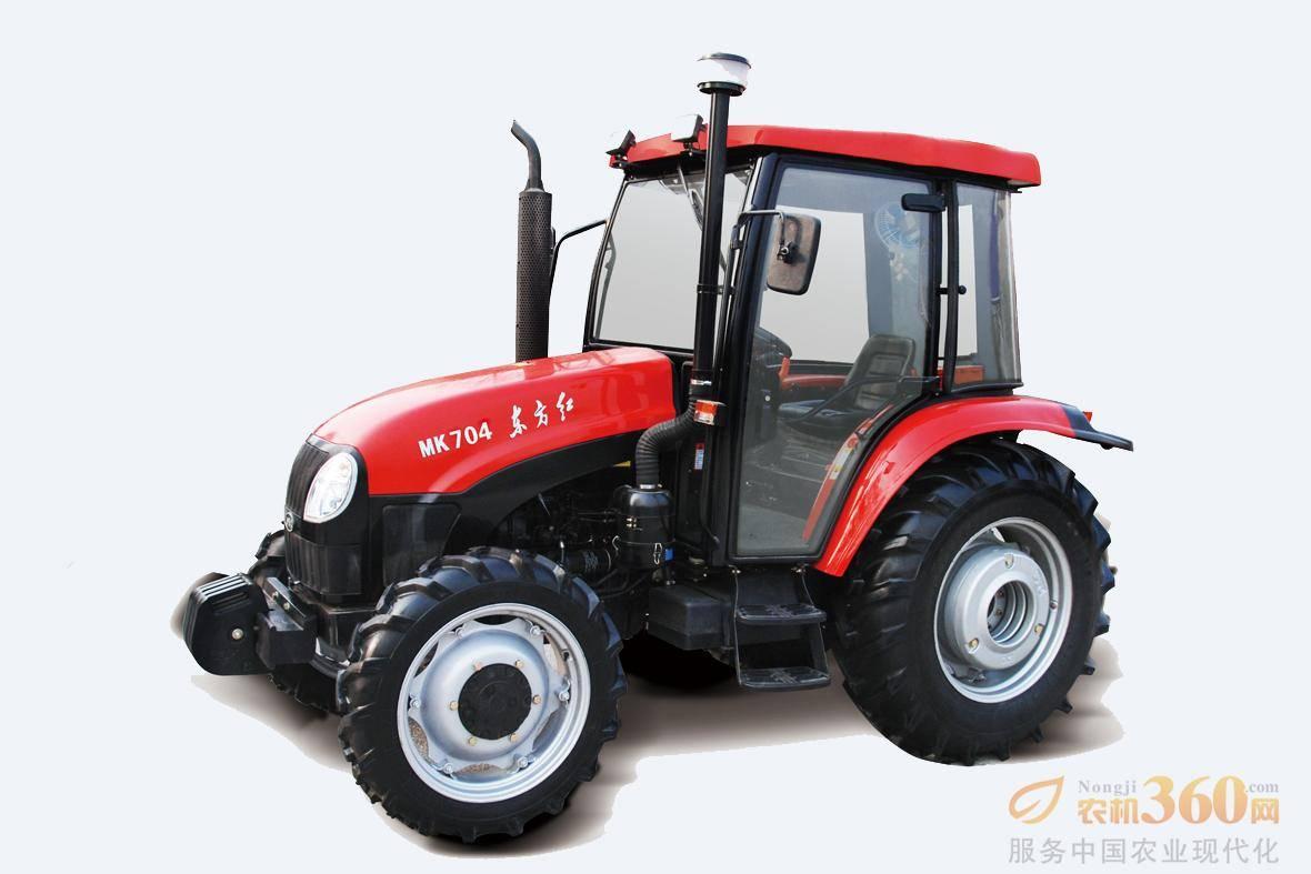 东方红MK704轮式拖拉机,驱动方式为四驱,70马力,动力输出轴转速540、720、1000r/min;额定牵引力18.1KN,额定提升力≥12.4KN;前进速度范围为2.45-39.82km/h。