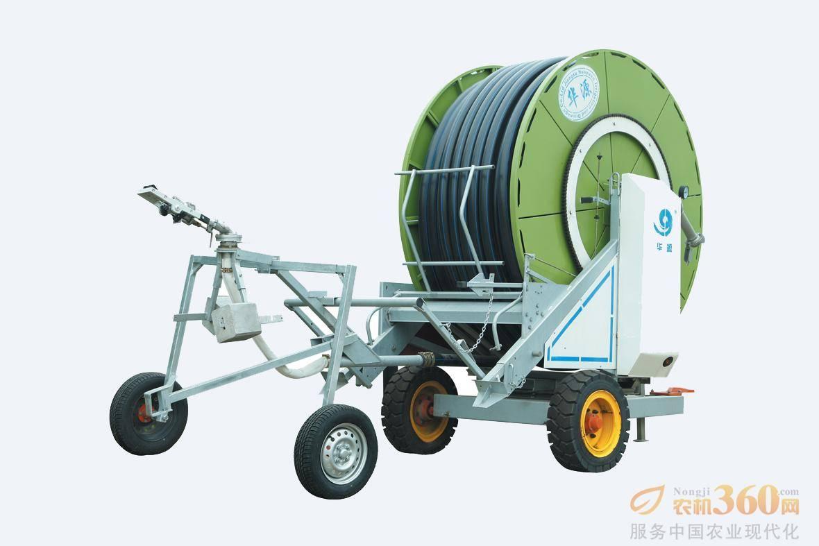 华源JP系列卷盘式喷灌机,该系列产品是采用国际先进技术制造而成,利用喷灌压力水驱动水涡轮旋转,经变速装置驱动绞盘旋转并牵引喷头车自动移动和喷洒的灌溉机械,它具有移动方便、操作简单、省工省时、节水效果好、喷洒均匀等优点,能有效的提供所需的水分,提高作物产量。设置中等降水量,一周可灌溉面积300亩左右。