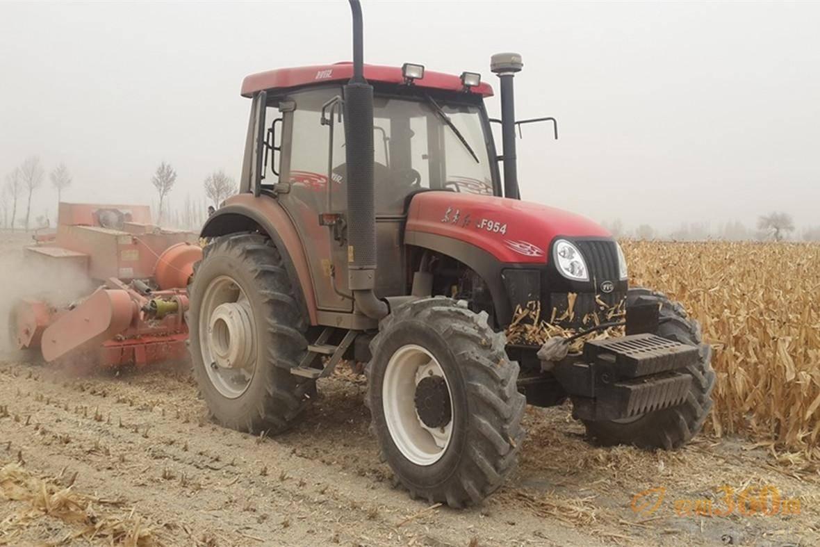 东方红动力换挡系列拖拉机作业现场图片