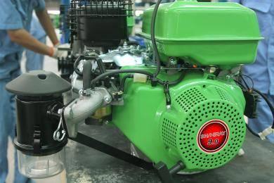 收割机专用动力:专为收割机研发的专用动力,动力更强劲,启动更轻松。