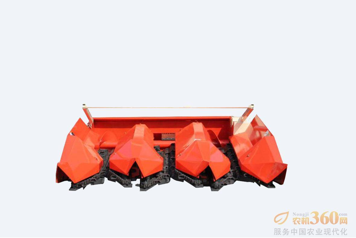 大型专用加强型割台:制作工艺精细,摘穂拨禾专用箱体传动,坚固耐用,可靠性高,使用3-5年无故障。