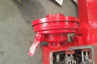 离合器。博马玉米收变速箱离合器是采用封闭的离合器,不会有杂物影响变速箱离合。