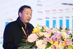 赵春江上台发表演讲。