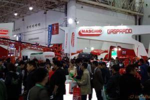 本次全国农机展,马斯奇奥展位近500平米,共展出机具11台。