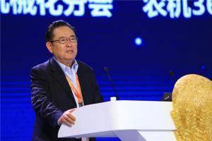 特约嘉宾主持人中国农机产业发展著名专家高元恩