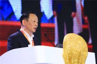 """农业部农业机械试验鉴定总站郭建辉副站长,以G20峰会为引,在以""""经济全球化背景下的中国农机工业""""为论题的报告中一一为我们做出分析与解答。"""