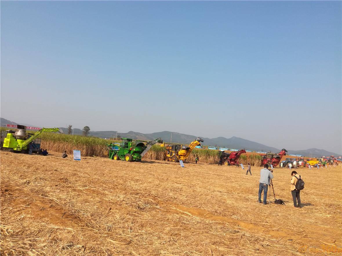 甘蔗机械化生产现场演示会