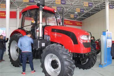 JDF1504轮式拖拉机
