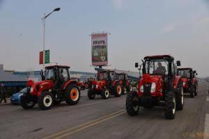 时风1404拖拉机用户集中提车。