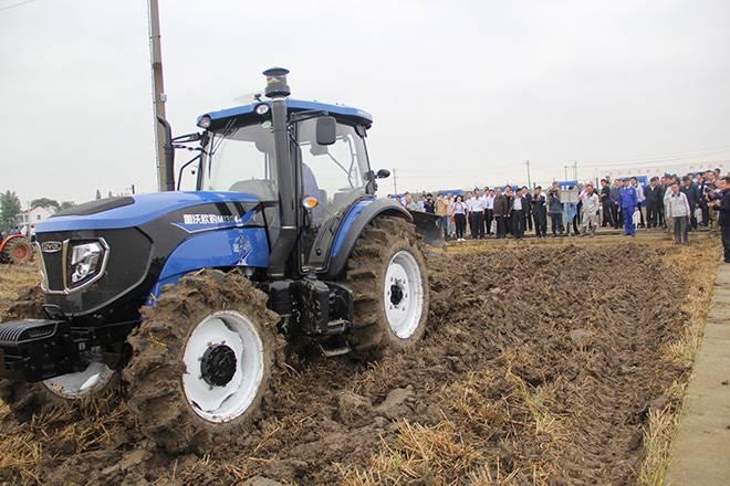 >> 文章内容 >> 拖拉机保养技术要点  东方红拖拉机保养一次大概多少