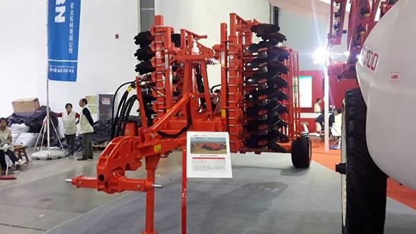 马斯奇奥亮相2016中国国际农业机械展览会3.jpg