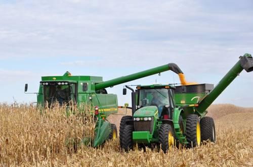 农业部:我国农作物综合机械化率达65%.jpg