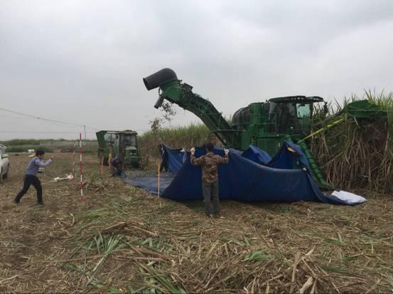 广西农业机械鉴定站对约翰迪尔甘蔗联合收获机开展鉴定检测工作