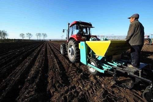 吉林省关于开展农机深松抗旱保墒增产实用技术和玉米机械化保护性耕作技术应用效果田间监测工作的通知