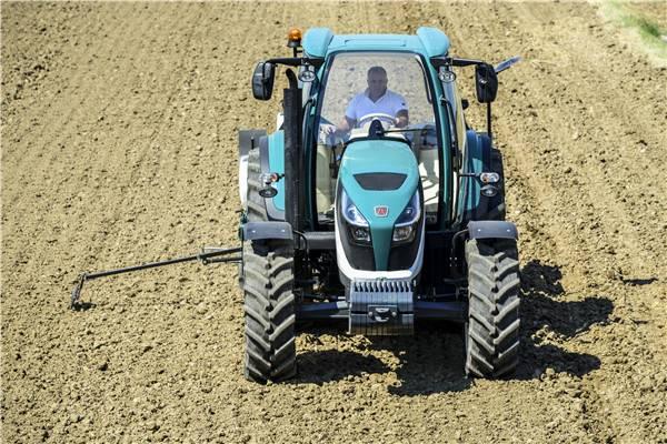 阿波斯拖拉机获德国红点奖 属行业首次