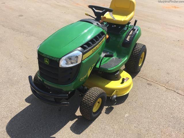 来自熊孩子们的森森敌意:约翰迪尔草坪拖拉机被当做玩具车